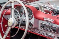 Mercedes 190 SL - contador de tiempo viejo Fotos de archivo libres de regalías