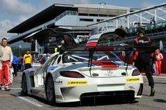 Mercedes SLS AMG GT3 dans la piste de chemin de Monza Image stock