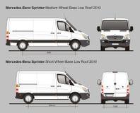 Mercedes Sprinter MWB et la basse livraison Van 2010 de toit de SWB Images libres de droits