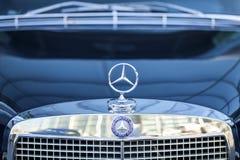 Mercedes tecken royaltyfri fotografi
