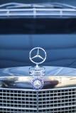 Mercedes tecken royaltyfria foton
