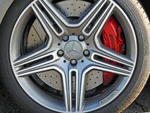 Mercedes-wiel van de Benz het sportscar legering stock foto's
