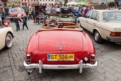 Mercedez 190 SL, frontowy widok, retro projekta samochód Fotografia Stock