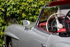Mercedez 190 SL - Stary zegar Obraz Royalty Free