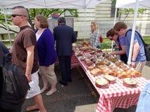 Merci al forno al mercato degli agricoltori Fotografia Stock Libera da Diritti