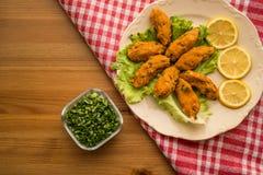 Mercimek Koftesi/comida turca con Bulgur y la lenteja Imagen de archivo