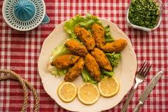 Mercimek Koftesi/comida turca con Bulgur y la lenteja Fotos de archivo