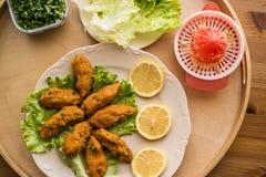 Mercimek Koftesi/türkisches Lebensmittel mit Bulgur und Linse stockfotografie
