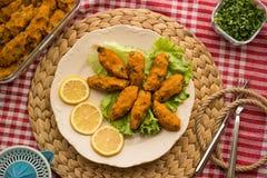 Mercimek Koftesi/türkisches Lebensmittel mit Bulgur und Linse lizenzfreie stockfotos