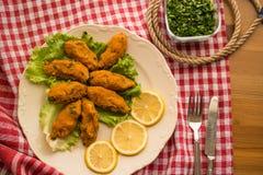 Mercimek Koftesi/türkisches Lebensmittel mit Bulgur und Linse stockfoto