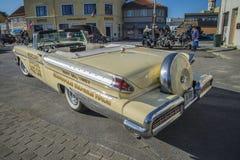 Mercury Turnpike Cruiser Pace Car cabriolet 1957 Royaltyfria Bilder