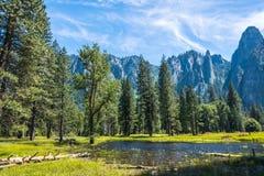 Meren en rivieren van de Yosemite-Vallei Californië, Verenigde Staten Stock Afbeelding