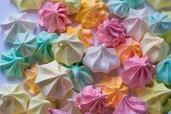 Merengues coloreados merengue colorido muchos diverso dulce Fotos de archivo