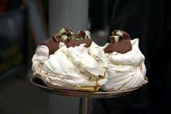 Merengues con el chocolate Fotografía de archivo