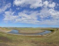 Mergel flod i den Hulun Buir grässlätten Arkivbilder