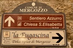 Mergozzo, Piedmont, Itália Em março de 2019 As proximidades do lago fotos de stock