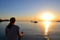 Mergulhado na meditação Fotografia de Stock Royalty Free