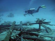 Mergulhador dentro profundamente fotografia de stock royalty free