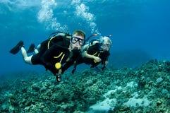 Mergulhadores de Suba foto de stock royalty free