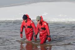 Mergulhadores polares da segurança do mergulho de Nebraska dos Jogos Paralímpicos Fotos de Stock Royalty Free