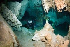 Mergulho da caverna Fotos de Stock Royalty Free