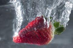 Mergulho da morango Foto de Stock