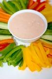 Mergulho da salada verde e do molho foto de stock royalty free