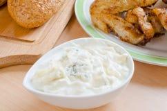 Mergulho de queijo azul imagem de stock royalty free