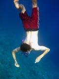 Mergulho do homem dentro profundo Foto de Stock Royalty Free