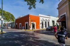 MERIDA-YUCATAN-MEXICO-APRIL-2019 : Vue d'un magasin où ils vendent différents articles faits main par des artisans dans le secteu images libres de droits