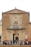 Merida Yucatan Mexico, Januari 22, 2015: Facad av en historisk byggnad i Merida Mexico Fotografering för Bildbyråer