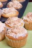 Meringue delicioso Cupakes pronto para comer Fotos de Stock