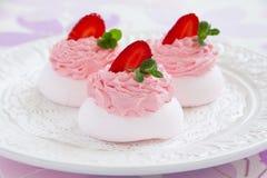 Meringue 'Pavlova' with strawberries Royalty Free Stock Image
