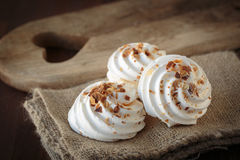 Meringue with toasted almonds Royalty Free Stock Images