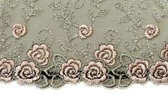 Merletto nero con i flowerses di rosa del reticolo Immagine Stock