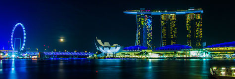 The Merlion fountain in front of the Marina Bay Sands hotel Royalty Free Stock Images