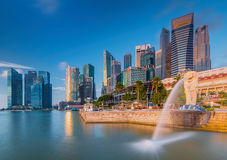 The Merlion fountain in front of the Marina Bay Sands hotel Stock Photography