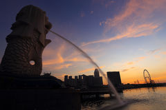 Merlion fountain in front of the Marina Bay Royalty Free Stock Photos