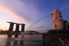 Merlion fountain in front of the Marina Bay Stock Photos