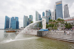 Merlion fountain at the Marina Bay quay in Singapore Stock Photos