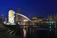 Merlion Park. Singapur-Skyline Stockfotografie