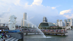 Merlion and Singapore skyline Stock Photography