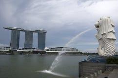 Merlion Singapur Marina Bay Sands que hace turismo Fotografía de archivo libre de regalías