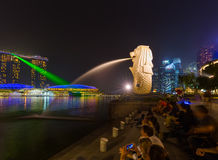 Merlion statue fountain in Singapore - city skyline Stock Photos