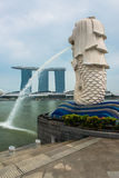 Merlion, une mascotte et personnification nationale de Singapour images stock