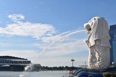 Merlionen, gränsmärke av Singapore Royaltyfria Bilder