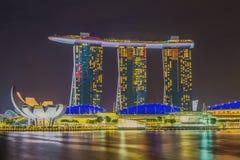 Merlionen och Marina Bay Sands Resort Hotel Arkivbild