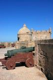 Merlo della fortificazione del Marocco Essaouira Fotografie Stock