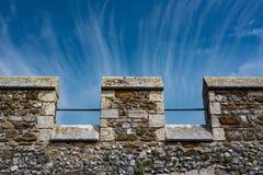 Merlons van een middeleeuws kasteel Stock Foto