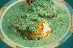 Merluza Engelse salsa verde Stock Foto's